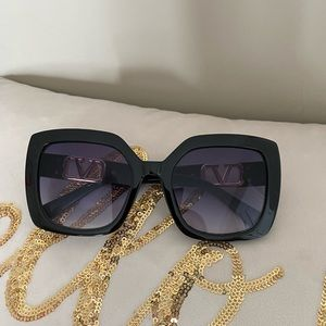 Brand new brown square sunglasses